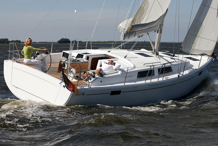 Hanse 385 for charter in Sweden from €2,200 / week