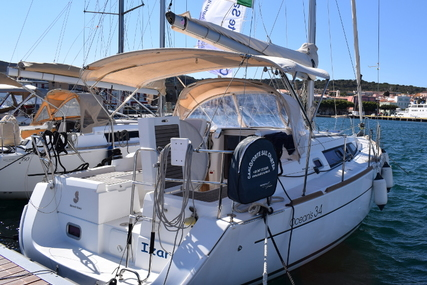 Beneteau Oceanis 34 for charter in Italy from €1,600 / week