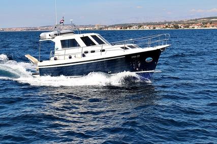 SAS-Vektor ADRIA 1002V BT (12) for charter in Croatia from €990 / week