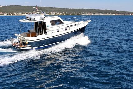 SAS-Vektor ADRIA 1002V BT (11) for charter in Croatia from €990 / week