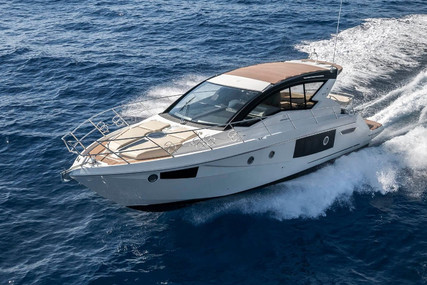 Cranchi Cranchi M44 HT for charter in Spain from €6,000 / week