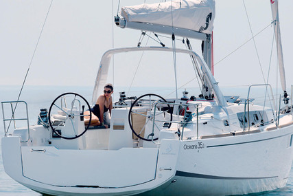 Beneteau Oceanis 35.1 for charter in Italy from €1,700 / week