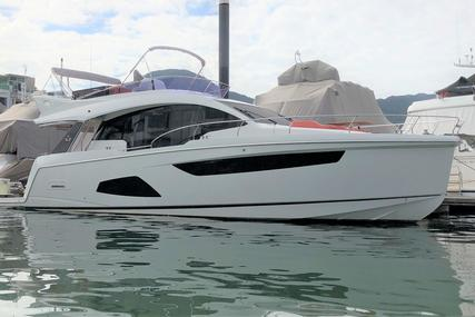 Sealine F530 for sale in Hong Kong for $900,000 (£691,669)