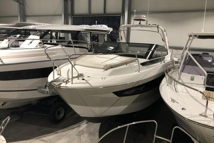 Jeanneau Leader 30 for sale in Germany for €159,900 (£134,843)