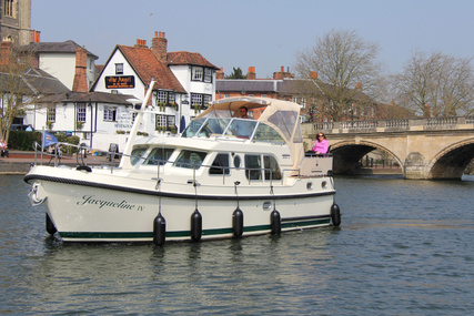 Linssen Grand Sturdy 34.9 AC for charter in United Kingdom from €2,200 / week