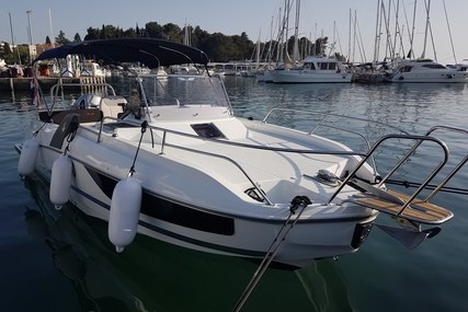 Beneteau Flyer 7.7 Sundeck for charter in Croatia from €2,240 / week