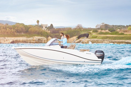 Quicksilver 605 Sundeck for charter in Spain from €1,470 / week