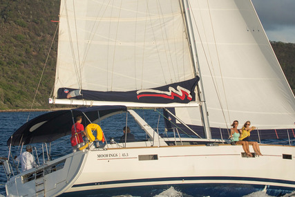 Beneteau Moorings 453 for charter in St Lucia from €2,599 / week