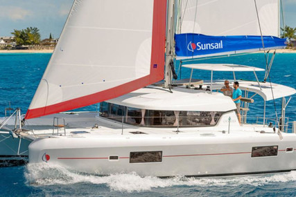 Lagoon Sunsail 424 for charter in St. Martin (French) from €3,149 / week