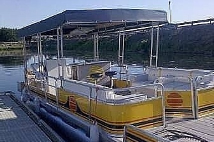 Sun Tracker 28 Party Barge for sale in United States of America for $27,800 (£21,275)