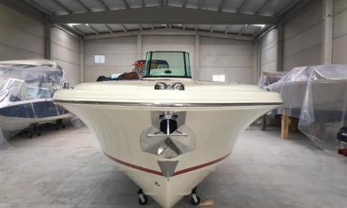 Image of Chris-Craft Catalina 27 for sale in Spain for €179,995 (£154,960) Menorca, Spain