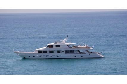 Custom Perama Shipyards 102 for charter in Greece from €21,000 / week