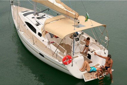 Custom Wind 34 for charter in Brazil from €1,541 / week