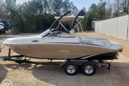 Stingray 215LR for sale in United States of America for $43,900 (£33,871)
