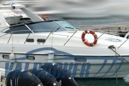 Sealine S34 for sale in Italy for €73,000 (£62,081)