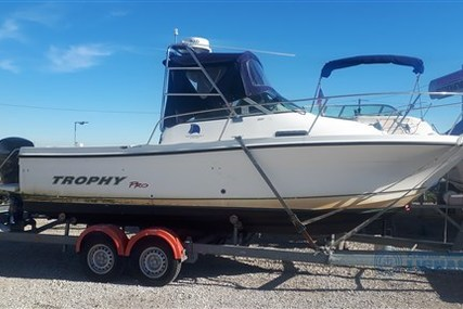 Bayliner 2052 Walkaround Trophy for sale in Italy for €24,000 (£21,903)