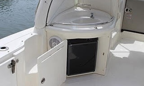 Image of Sea Ray 340 Sundancer for sale in United States of America for $110,000 (£81,208) Freeport, New York, United States of America
