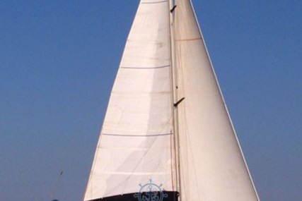 Beneteau First 38 for sale in Italy for €35,000 ($38,456)