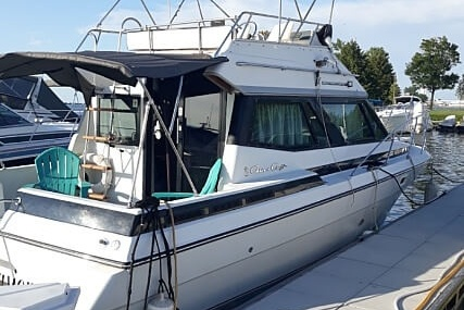 Chris-Craft Amerosport Sedan 320 for sale in United States of America for $15,000 (£12,222)