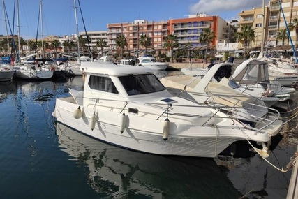 Astinor 840 for sale in Spain for €35,000 (£31,964)