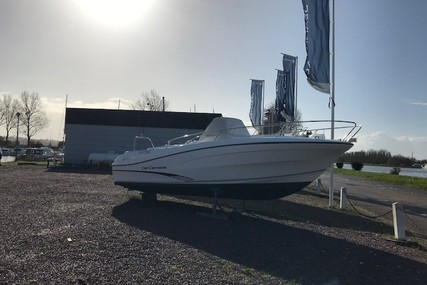 Jeanneau Cap Camarat 7.5 Cc for sale in France for €43,000 (£37,681)