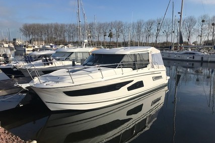 Jeanneau Merry Fisher 1095 for sale in France for €175,000 (£156,015)