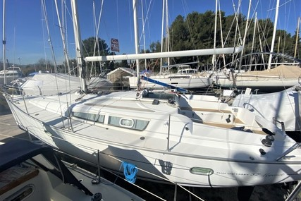 Jeanneau Sun Odyssey 32i for sale in France for €39,900 (£33,404)