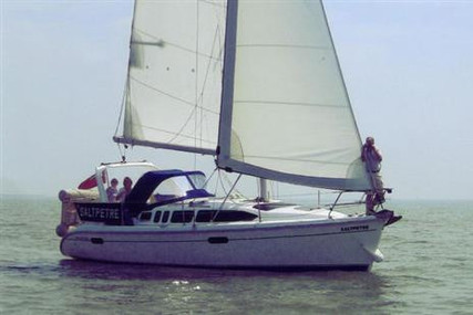 Hunter 340 LEGEND for sale in United Kingdom for £38,000