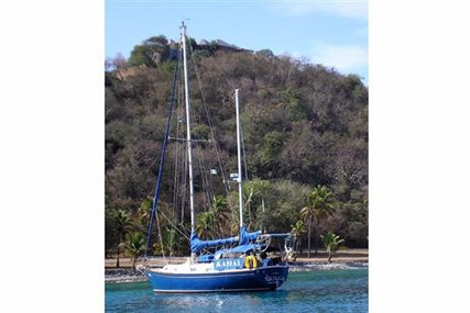 Pearson 365 for sale in Saint Vincent and the Grenadines for $9,900 (£7,590)