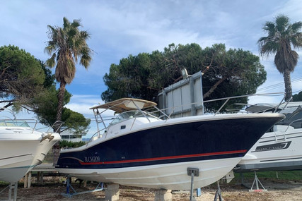 Jeanneau Cap Camarat 925 WA for sale in France for €49,000 (£41,671)