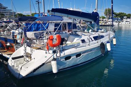 Hunter 376 for sale in France for €54,000 (£47,339)