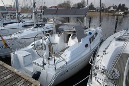 Hanse 325 for sale in Germany for €68,000 (£57,829)