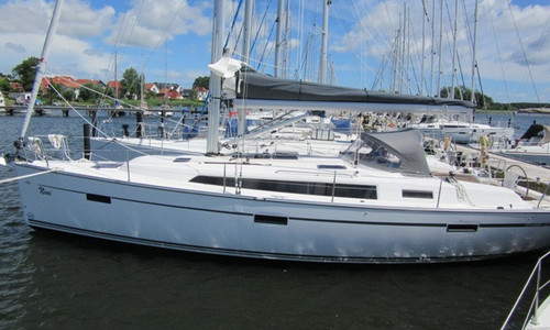 Image of Bavaria Yachts 41 Cruiser for sale in Germany for €185,000 (£165,774) Breege, Breege, Germany