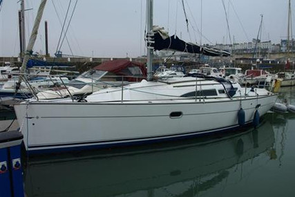 Jeanneau Sun Odyssey 32 for sale in United Kingdom for £34,950