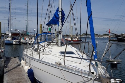 Jeanneau Sun Odyssey 33i for sale in France for €26,500 (£23,342)