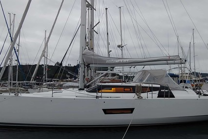 Elan GT5 for charter in Chili from $8,750 / week