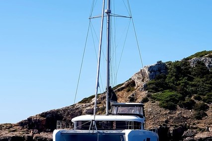 Lagoon 42 for charter in Spain (Balearic Islands) from €5,600 / week