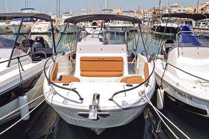 Beneteau Flyer 8 for charter in Spain (Costa Brava) from €2,183 / week