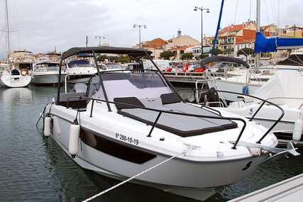 Beneteau Flyer 8 for charter in Spain (Costa Brava) from €2,389 / week