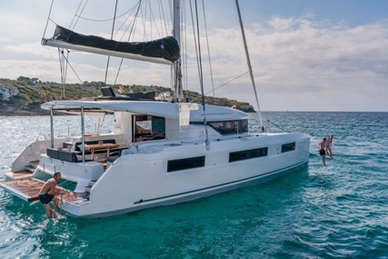 Lagoon 50 for charter in Antigua from €8,035 / week