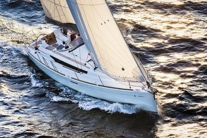 Jeanneau Sun Odyssey 389 for charter in Brittany from €1,655 / week