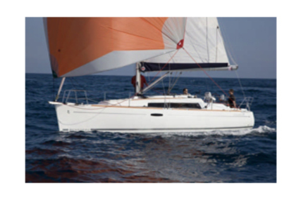 Beneteau Oceanis 311 for charter in Brittany from €935 / week