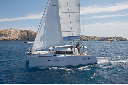 Lagoon 400 S2 for charter in Corsica from €2,750 / week
