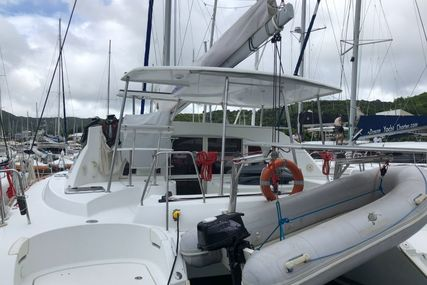 Lagoon 380 for charter in Guadeloupe from €2,500 / week