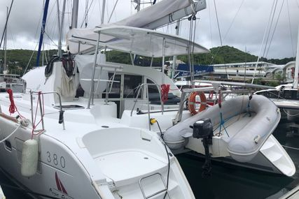 Lagoon 380 for charter in Belize from €2,515 / week
