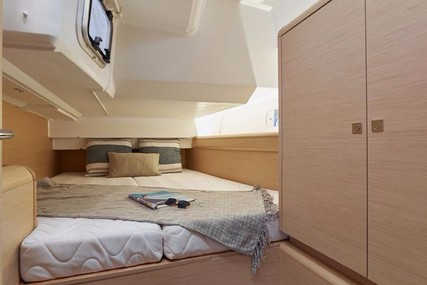 Jeanneau Sun Odyssey 449 for charter in Mexico from €2,470 / week
