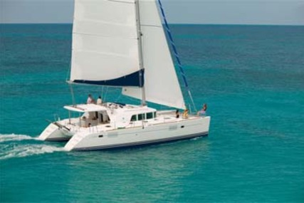 Lagoon 440 for charter in Mexico from €2,875 / week