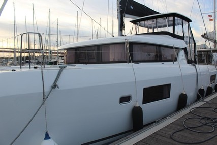 Lagoon 42 for sale in Portugal for €395,000 (£330,696)