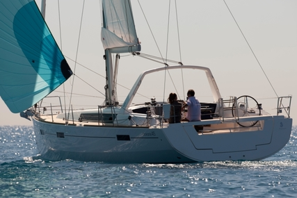 Beneteau Oceanis 45 for charter in Italy (Sicily) from €1,995 / week