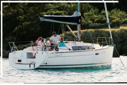 Beneteau Oceanis 31 for charter in Italy (West Coast) from €1,047 / week